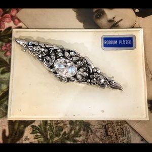 Jewelry - Vintage Rhinestone Brooch in Silver Rodium